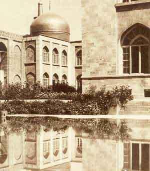 صورة قديمة ونادرة لمرقد الامام